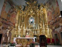 Piotrków-Trybunalski-Sanktuarium-Matki-Bożej-Trybunalskiej-Ołtarz-główny