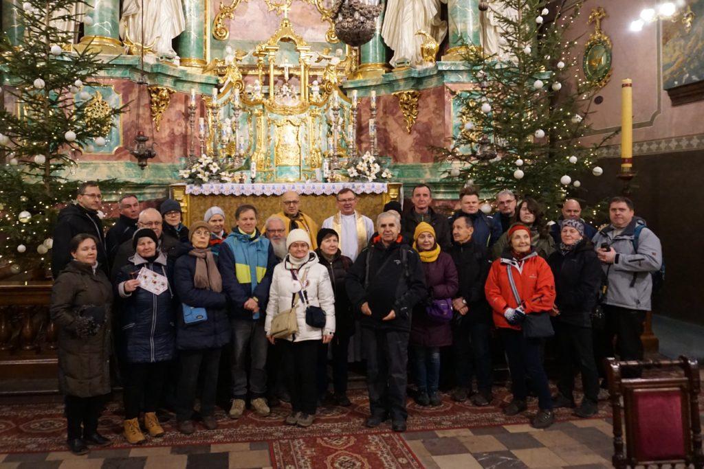 Pielgrzymi w Sanktuarium w Studziannie
